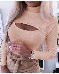Блуза в цвят праскова с отворено деколте - код 3501