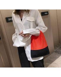 Дамска чанта с ефектна дръжка в оранжево - код B525