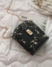 Атрактивна дамска чанта в черно - код B294