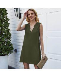 Свободна изчистена рокля в маслено зелено - код 1429