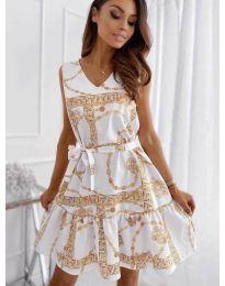 Феерична рокля в бяло с атрактивен десен - код 343