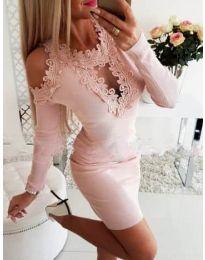 Елегантна рокля с бродерии в розово - код 568