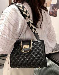 Дамска чанта в черно - код B430