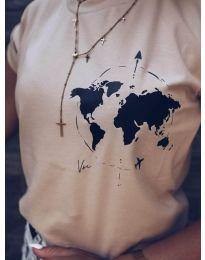Дамска тениска в цвят капучино с принт глобус - код 478