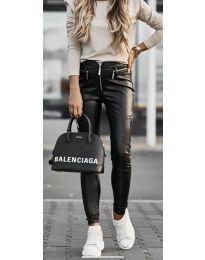 Дамски панталон в черно - код 8028