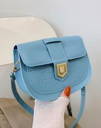 Дамска чанта в светлосиньо - код B444