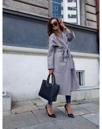 Дълго дамско палто с колан в сиво - код 9099