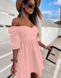 Дамска рокля с голи рамене в розово - код 7413