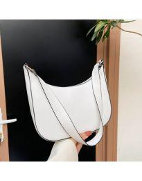 Ефектна дамска чанта в бяло - код B531
