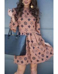 Кокетна рокля в цвят пудра с ефектен десен - код 674