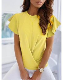 Дамска тениска тип прегърни ме в жълто - код 515