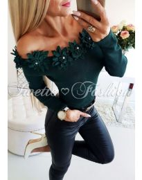 Блуза в зелено с ефектно деколте - код 815