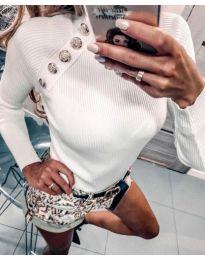 Блуза в бяло с копчета при рамото - код 313