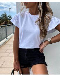 Изчистена дамска тениска в бяло - код 520