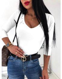 Дамска блуза в бяло с ефектно деколте - код 818