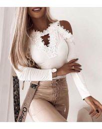 Атрактивен дамски блуза с дантела в бяло - код 4268