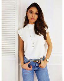 Елегантна дамска тениска в бяло - код 177