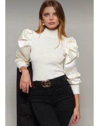 Блуза в бяло с ефектни ръкави - код 7868