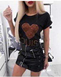 Черна тениска с принт сърце - код 984