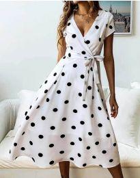 Разкроена дамска рокля в бяло на точки - код 4757