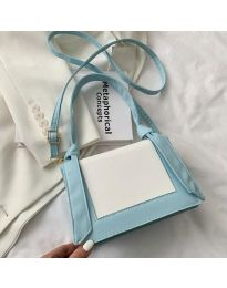 Дамска чанта в светлосиньо - код B574