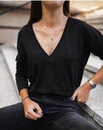 Изчистена черна блуза с V-образно деколте - код 3574