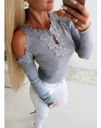 Елегантна дамска блуза с бродерии в сиво - код 3538
