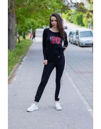 Тениска с дълъг ръкав в черно - код 987