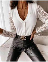 Блуза в бяло с ефектни ръкави - код   3611
