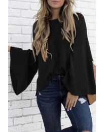 Дамски пуловер в черно - код 0202