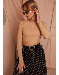 Къса дамска блуза в бежово - код 3095