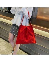 Атрактивна дамска чанта в червено - код B522