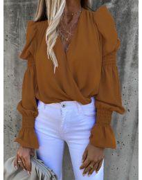 Стилна блуза с ефектни ръкави в кафяво - код 5451