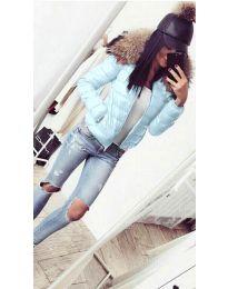 Дамско яке в светло синьо с пух - код 5239