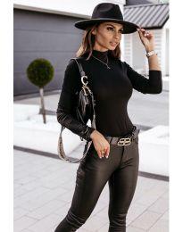 Изчистена дамска блуза в черно - код 4113