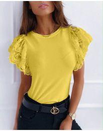Дамска тениска с дантелени ръкави в горчица- код 657