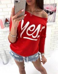 Дамска блуза в червено с надпис - код 0996
