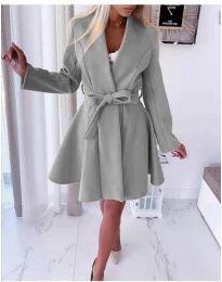 Стилно дамско палто с колан в сиво - код 410
