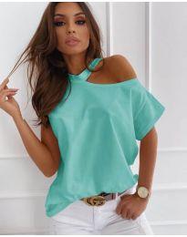 Дамска блуза в цвят мента с голо рамо - код 804