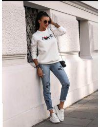 Удобна дамска блуза в бяло с принт - код 434