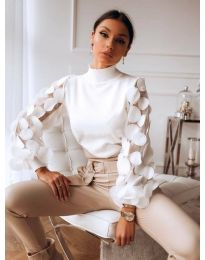 Блуза в бяло с ефектни бухнали ръкави -  код 3505
