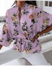 Свободна дамска риза на цветя в лилаво - код 244