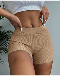 Къси вталени панталонки в цвят капучино - код 10155