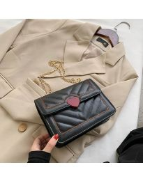 Дамска чанта в черно - код B83