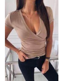 Дамска изчистена тениска в бежово - код 3310