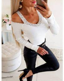 Бяла дамска блуза с ефектно деколте - код 3488