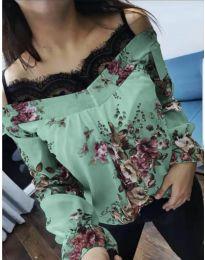 Блуза на цветя в цвят мента с дантела при деколтето - код 796