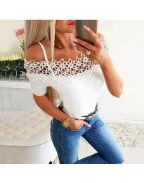 Атрактивна дамска тениска в бяло - код 3912