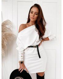 Дамска рокля в бяло с голо рамо - код 4442