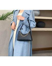 Дамска чанта в черно - код B162